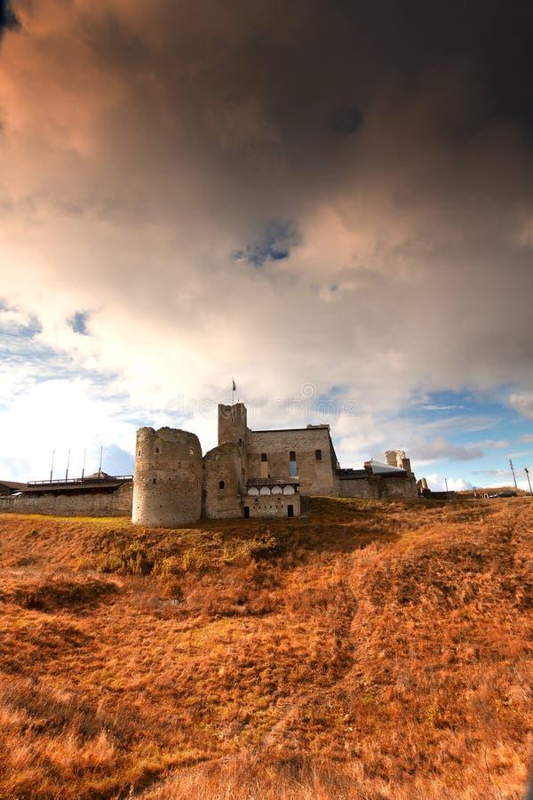 拉克韦雷神秘的中世纪城堡在秋天 库存照片