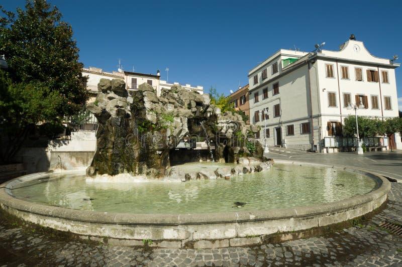 Download 拉努维奥Albani小山,意大利 库存图片. 图片 包括有 地标, 罗马, 喷泉, 岩石, 意大利, fontana - 62539481