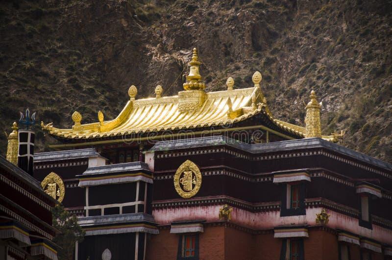 拉卜楞修道院金黄屋顶  库存照片