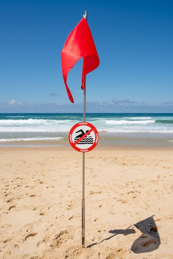 拉卡诺,大西洋,法国 `没有游泳`标志 库存图片