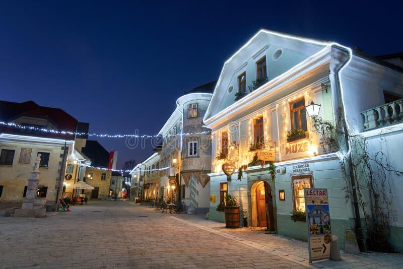 拉多夫利察,斯洛文尼亚- 2017年12月20日:出现12月夜 库存图片