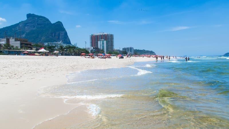 巴拉岛da Tijuca海滩看法在里约热内卢 免版税库存图片