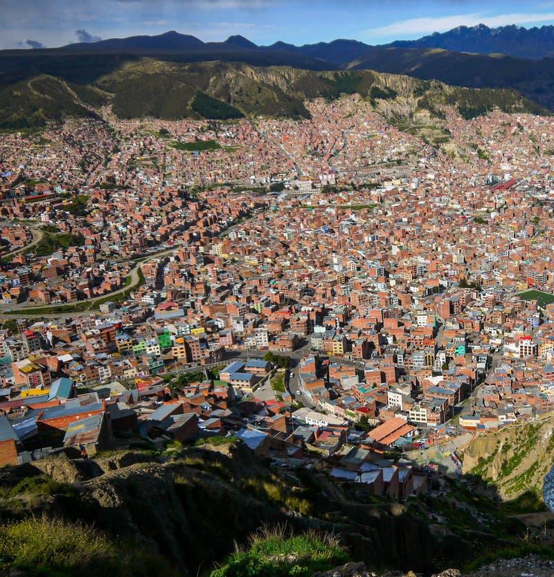 拉巴斯市鸟瞰图在玻利维亚 免版税图库摄影