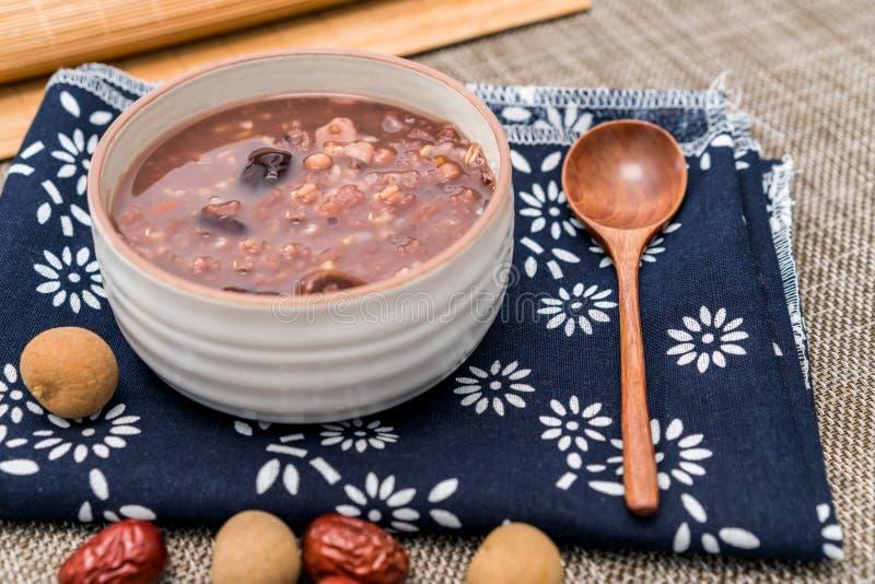 拉巴粥,Babao粥,一个食家盘在中国北部 库存照片