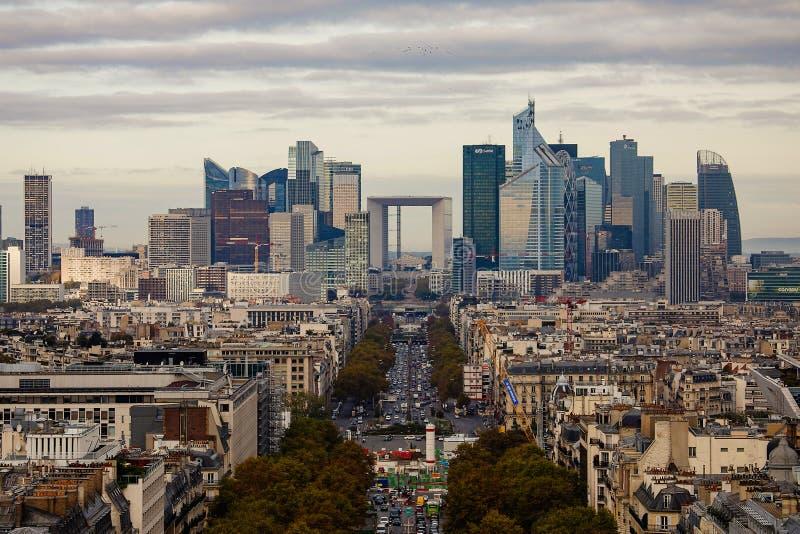 拉德芳斯财政区在巴黎 图库摄影