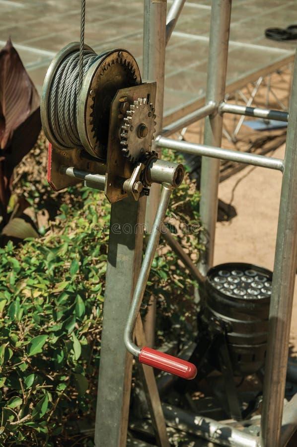 拉扯的钢缆绳小金属手摇把在梅里达 免版税图库摄影