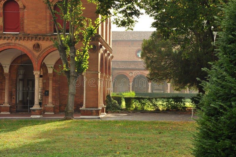 费拉拉意大利 城市公墓庭院 库存图片
