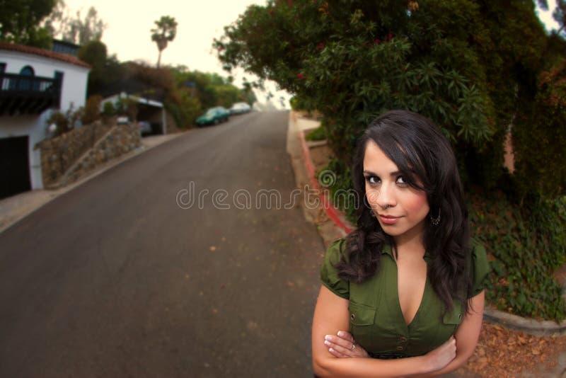 拉提纳俏丽的妇女 免版税库存照片