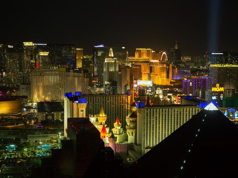 拉斯维加斯小条全景鸟瞰图在晚上 免版税库存图片