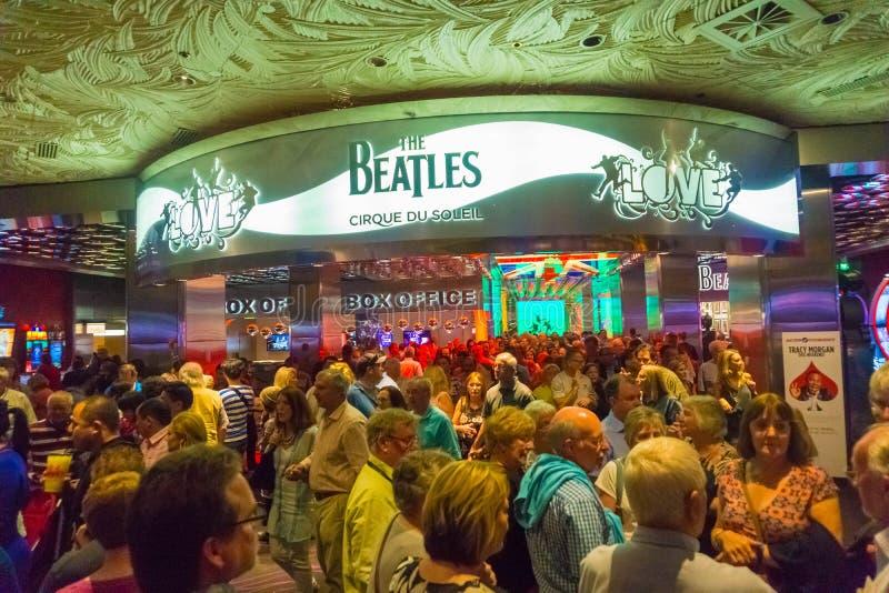 拉斯维加斯,美利坚合众国- 2016年5月06日:对Beatles太阳马戏团剧院爱展示的入口在 库存照片