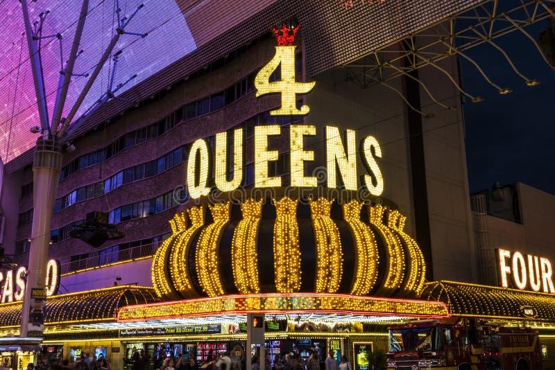 拉斯维加斯-大约2017年7月:四位女王旅馆和赌博娱乐场 四位女王/王后是其中一套在佛瑞蒙St的最偶象的装置我 免版税图库摄影