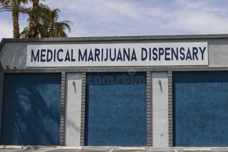 拉斯维加斯-大约2017年7月:医疗大麻防治所 在2017年,消遣罐是法律的在内华达VII 免版税库存照片