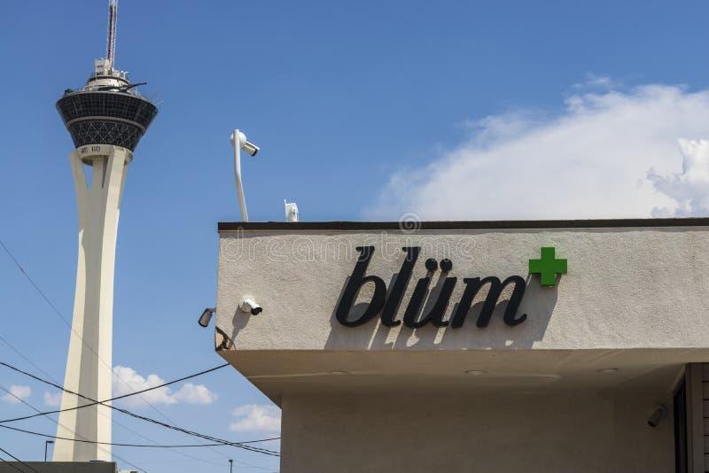拉斯维加斯-大约2017年7月:Blà ¼ m大麻防治所 在2017年,消遣罐是法律的在内华达v 图库摄影