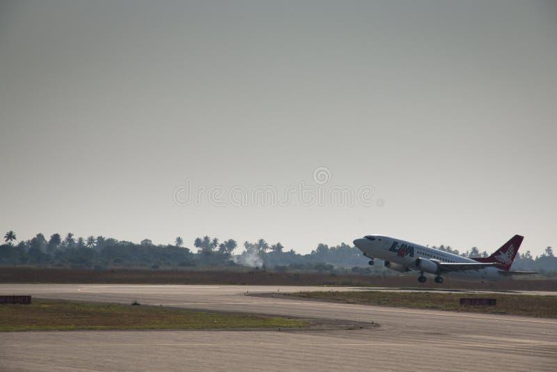 离去从贝拉的潜逃飞机 免版税库存照片