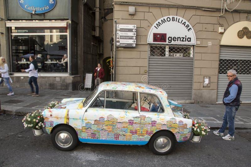 拉皮条的老意大利汽车 库存照片