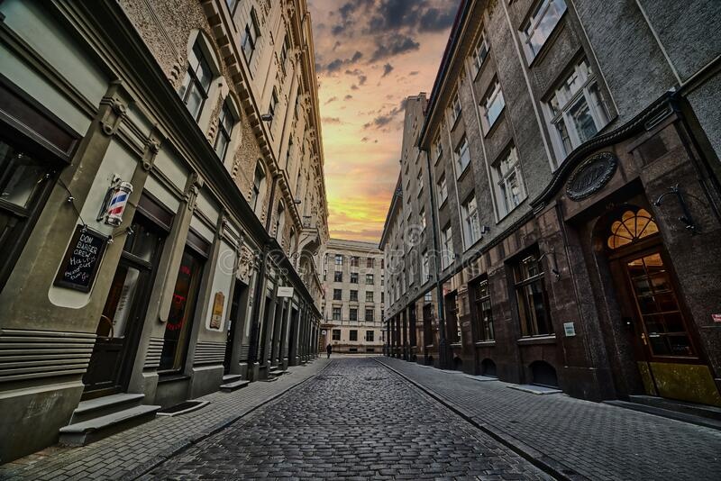 拉脱维亚里加 老城空荡荡的街道 免版税库存照片