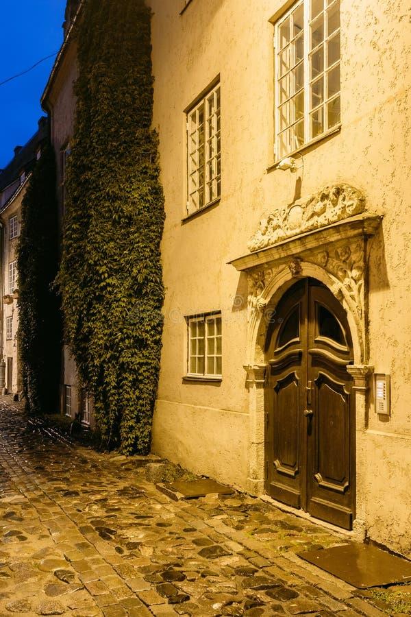 拉脱维亚里加 门户的老木布朗门,装饰通过铸造 免版税图库摄影