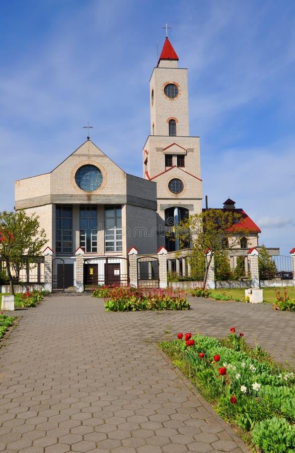 巴拉诺维奇,白俄罗斯- 2015年5月14日:我们的法蒂玛母亲的夫人教会  免版税库存照片