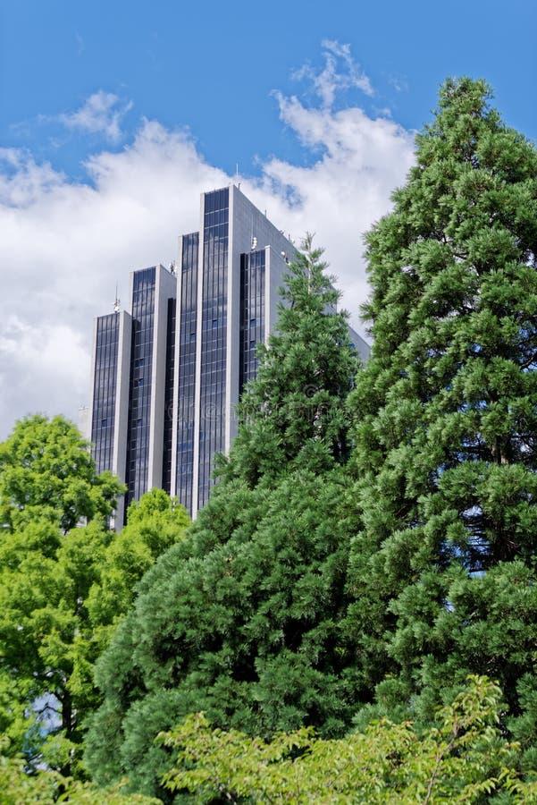 拉迪森蓝色旅馆门面反对多云天空蔚蓝的 德国汉堡 库存图片