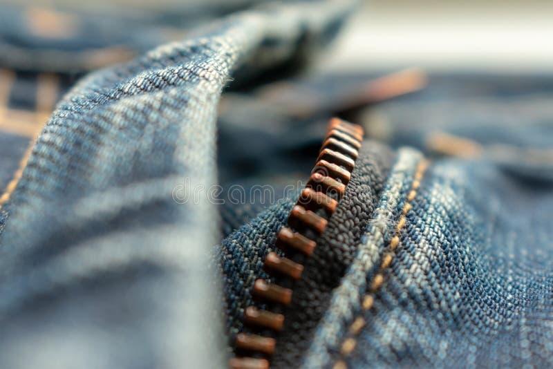 拉链牛仔裤 棉花牛仔布详细资料织品牛仔裤纹理 免版税库存图片