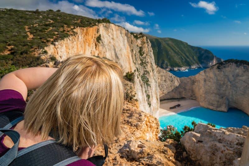 拍摄惊人的海难小海湾 免版税图库摄影
