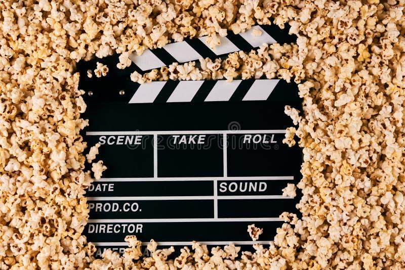 拍板和玉米花 免版税图库摄影