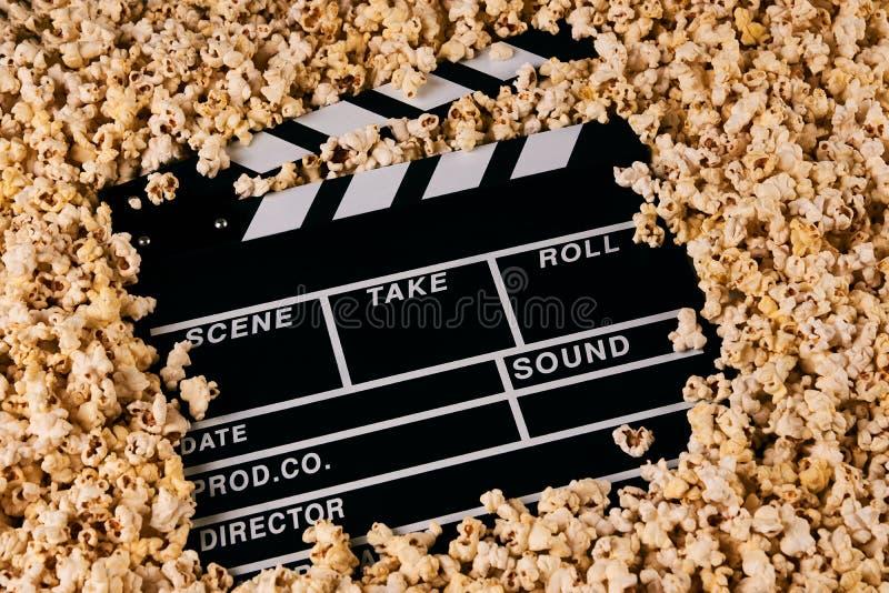 拍板和玉米花 图库摄影
