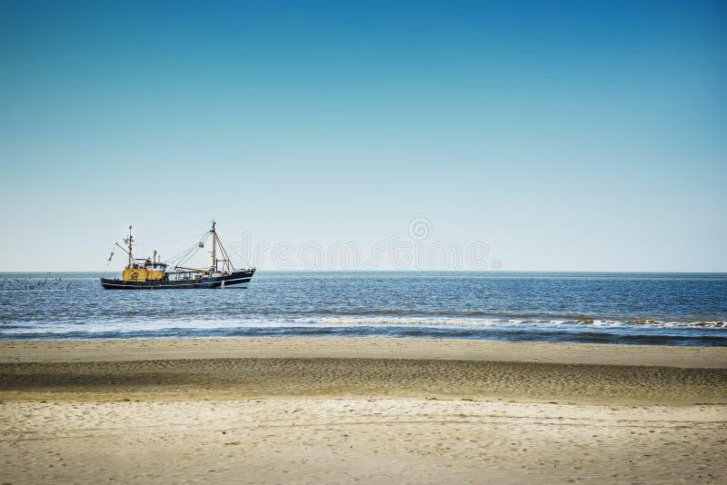 拖网渔船在北海 免版税库存图片