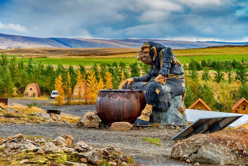 拖钓雕象在冰岛 库存图片