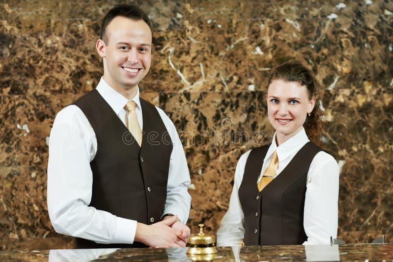 招待会的旅馆工作者 库存照片