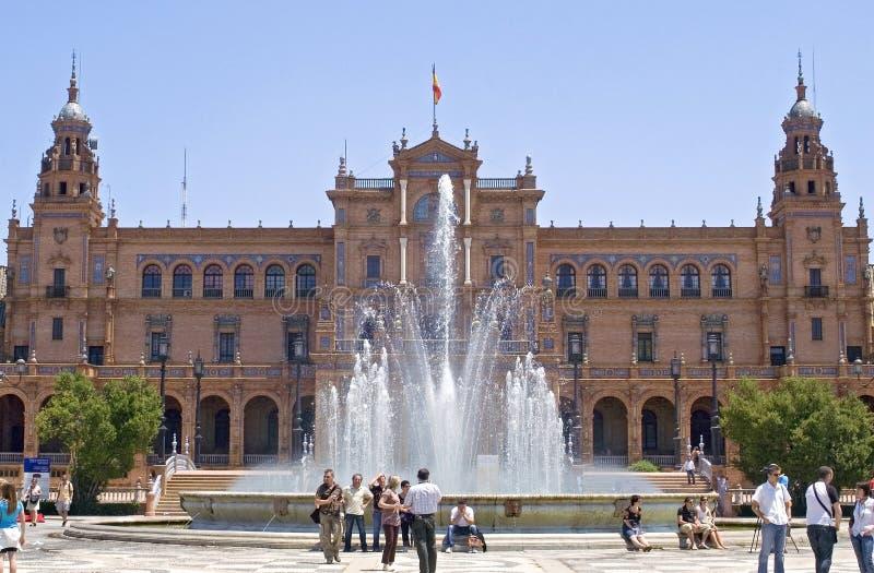 拜访Plaza de西班牙,塞维利亚,西班牙的游人 免版税库存图片