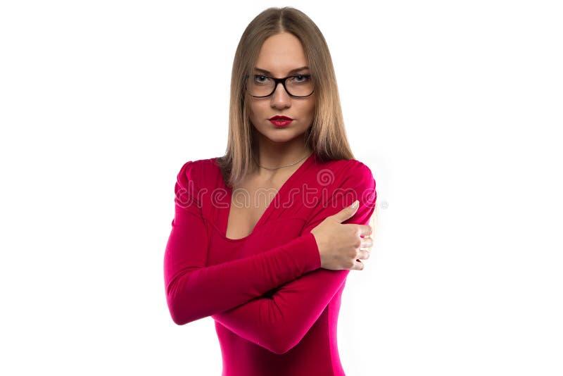 拥抱红色衬衣的妇女画象  图库摄影