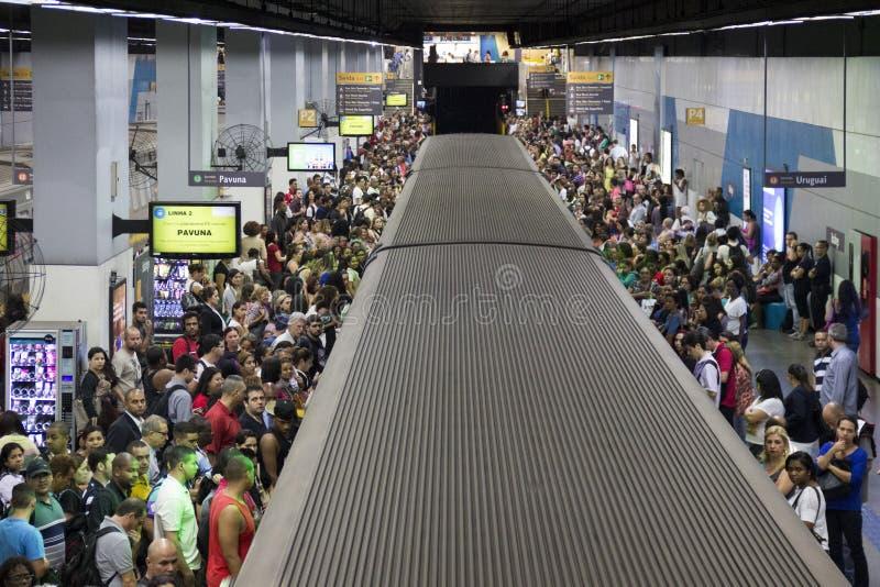 拥挤公共交通工具在里约热内卢 免版税库存图片
