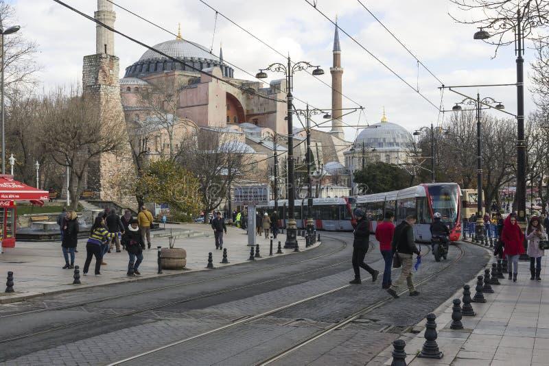 拥挤的街在伊斯坦布尔,土耳其 免版税库存图片