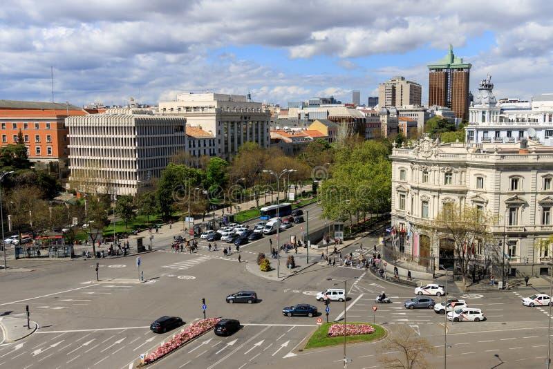 拥挤的街在马德里,西班牙 免版税库存照片