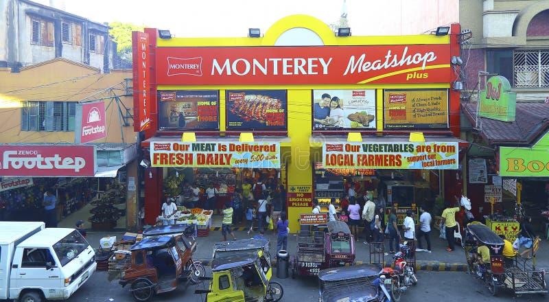 拥挤的街场面:tuguegarao城市,菲律宾 免版税库存照片