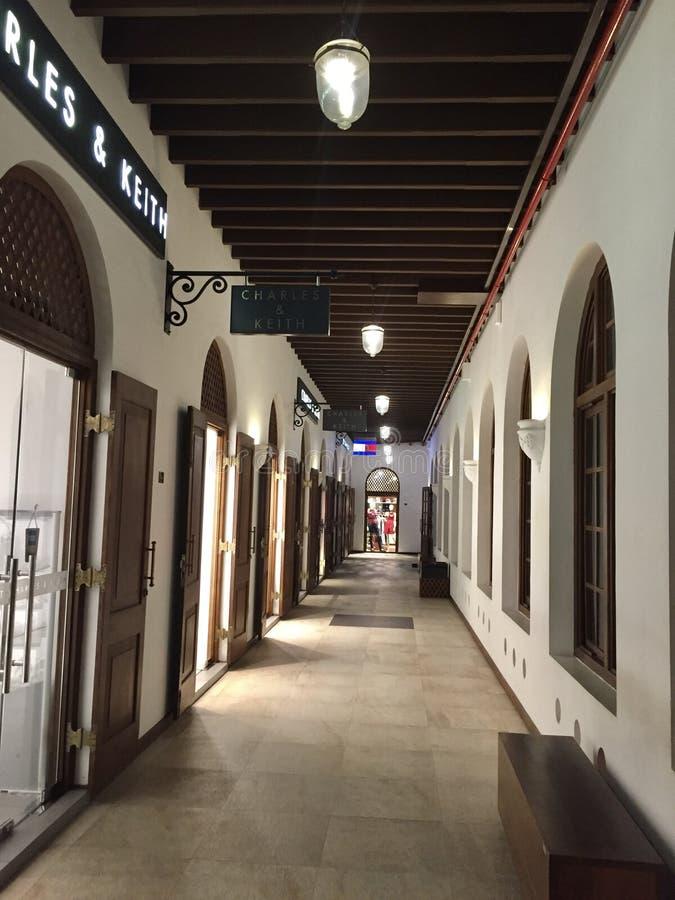 拱廊独立广场商业区,科伦坡的内部 库存照片