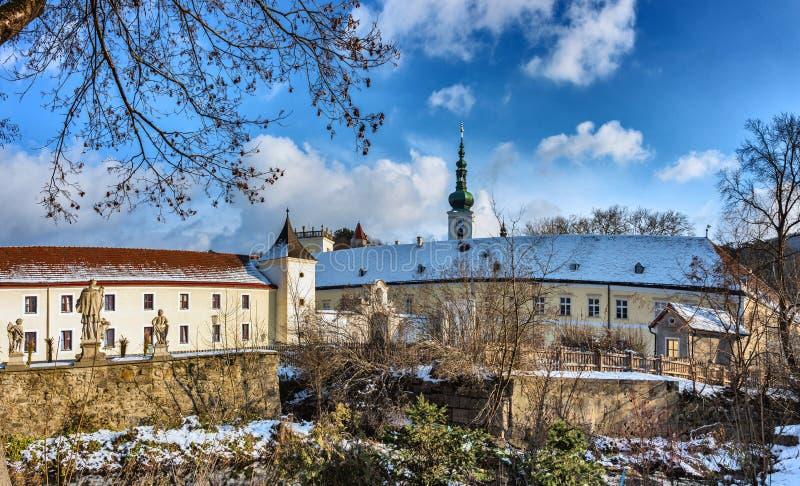 拱道和海利根克罗伊茨修道院的内在围场  库存图片