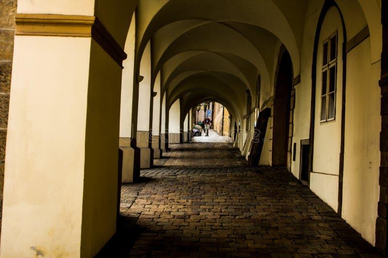 拱道在布拉格 免版税库存图片