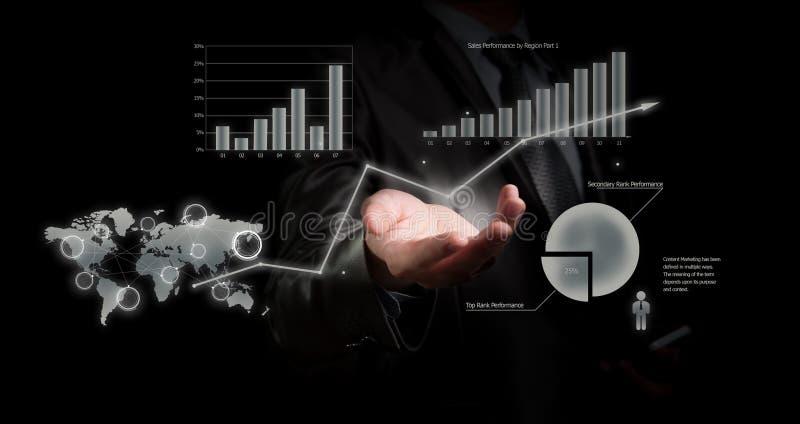 拿着图表,企业概念的商人 免版税库存照片