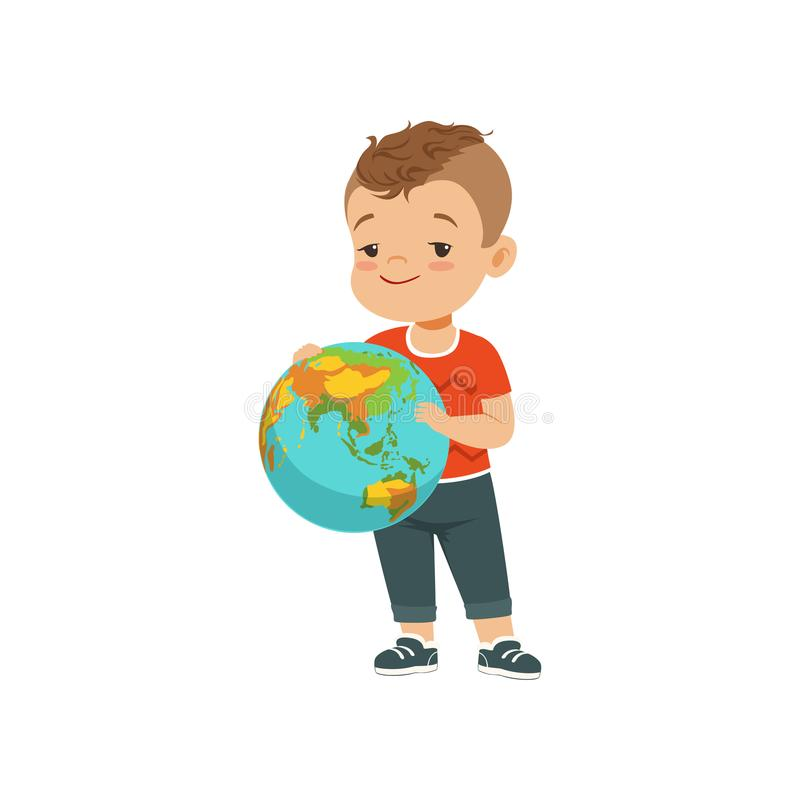拿着地球,在白色背景的孩子保护的地球行星传染媒介例证的逗人喜爱的小男孩 库存例证