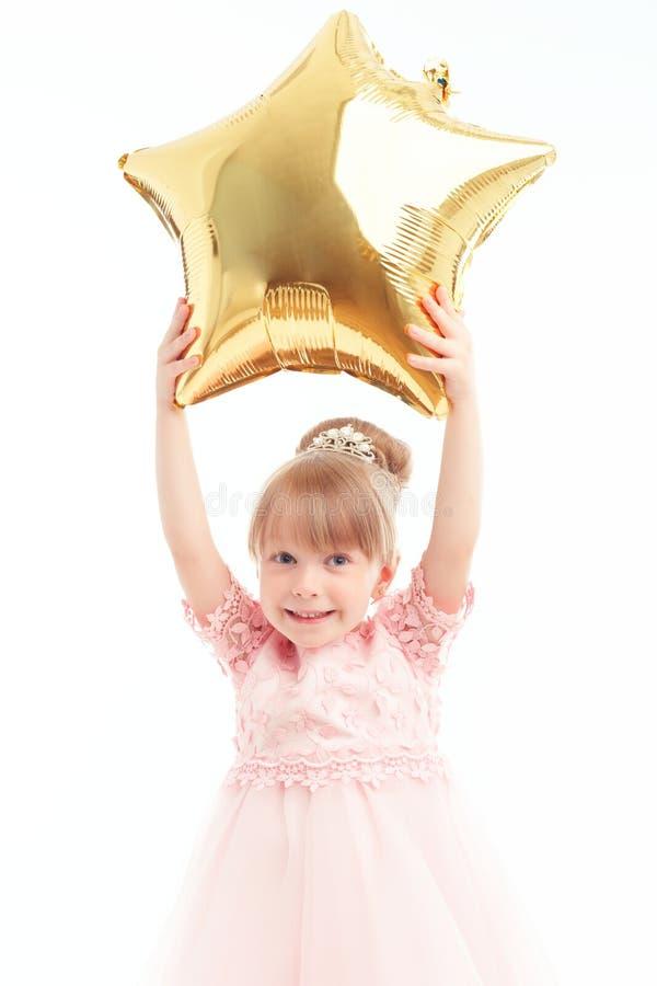 拿着气球的好小女孩 库存图片