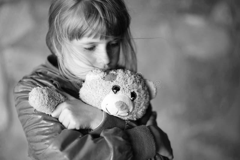 哀伤的小女孩 图库摄影