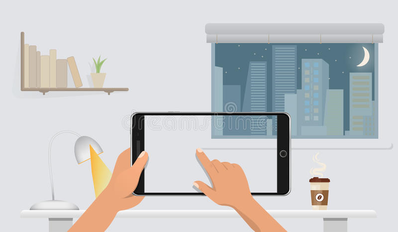 拿着空白的巧妙的电话的手,不用在桌上的屏幕在家庭办公室 窗口,夜援引,书、灯和咖啡在后面 向量例证