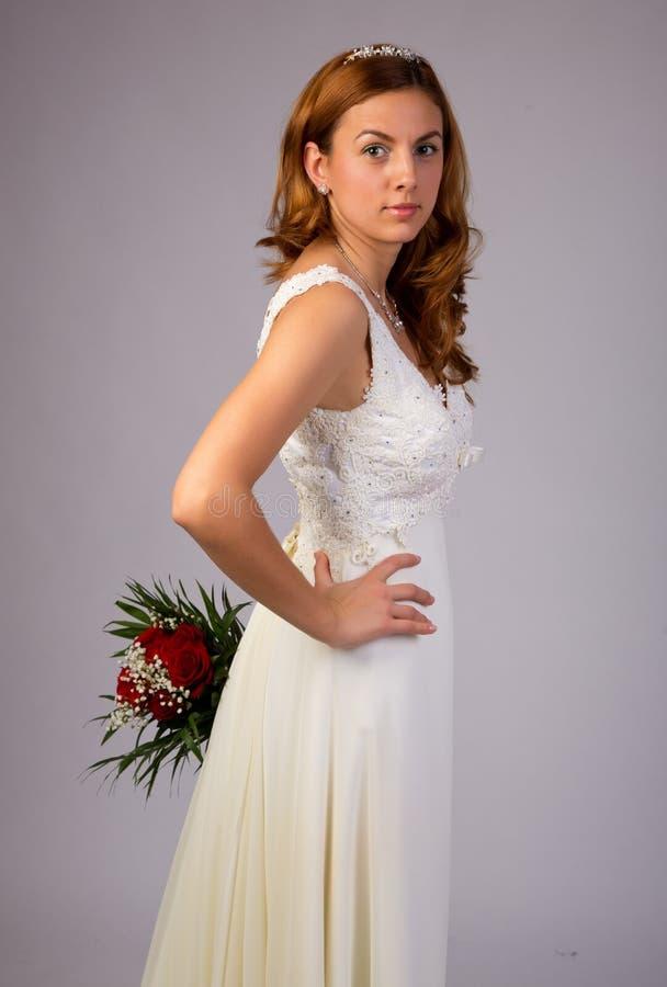 愉快的美丽的新娘 免版税库存照片