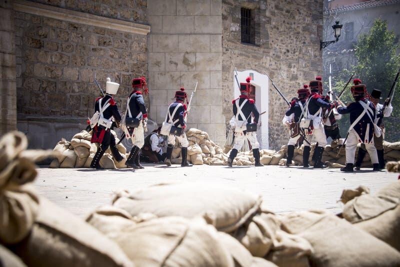 拿破仑似的军队的重建 在战场的军队,拿破仑似的队伍 库存照片