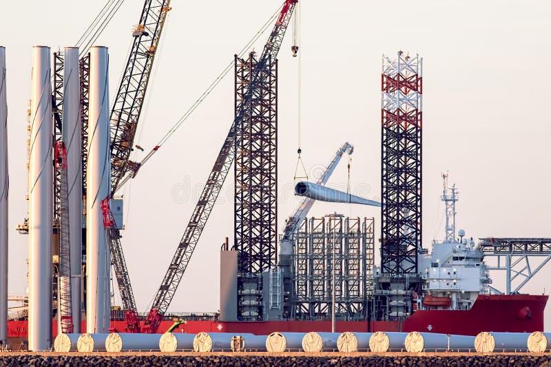 持续力和清洁能源力量发展 的投资 免版税库存图片