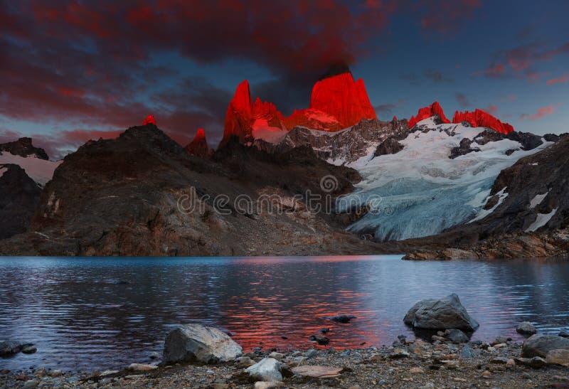 挂接Fitz Roy,巴塔哥尼亚,阿根廷 库存照片