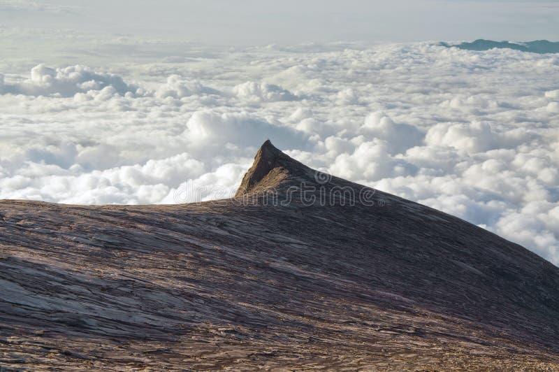 挂接Kinabalu南峰顶 免版税库存照片