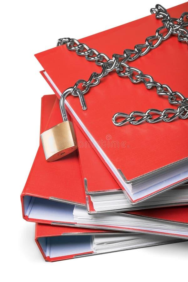 挂锁和链子在文件夹 库存照片